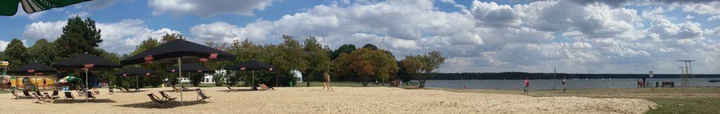 Sztuczna plaża jest częścią klubu Temat Plaża